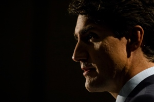 Prime Minister Justin Trudeau delivers remarks at a fundraising event in Mississauga, Ont., on Thursday, Sept. 21, 2017. (Christopher Katsarov / THE CANADIAN PRESS)