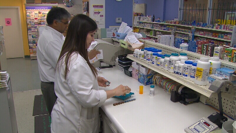 Ontario may let pharmacists prescribe treatments for minor issues like pink eye