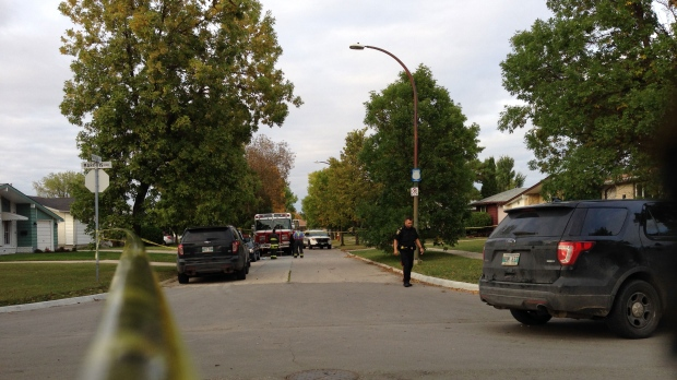 Winnipeg police have closed the 100 block of Madrigal Close in The Maples. (Source: Chase Gouthro/CTV Winnipeg)