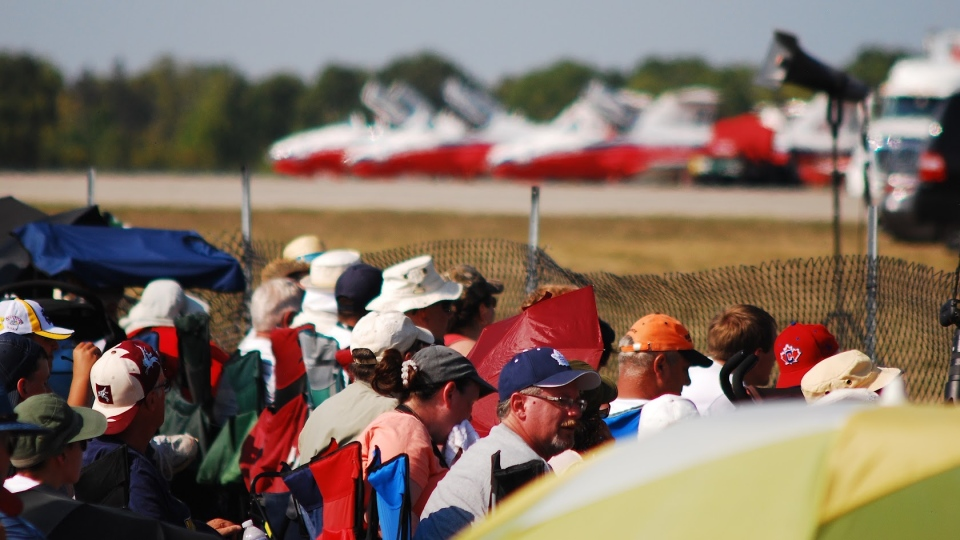 Crowds brave the heat at Airshow London in 2017. (Carmi Levy for CTV London)