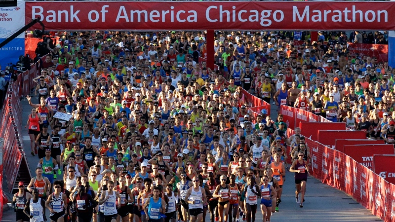 Runners start the Chicago Marathon, Oct. 8, 2017, in Chicago. (AP / Nam Y. Huh)
