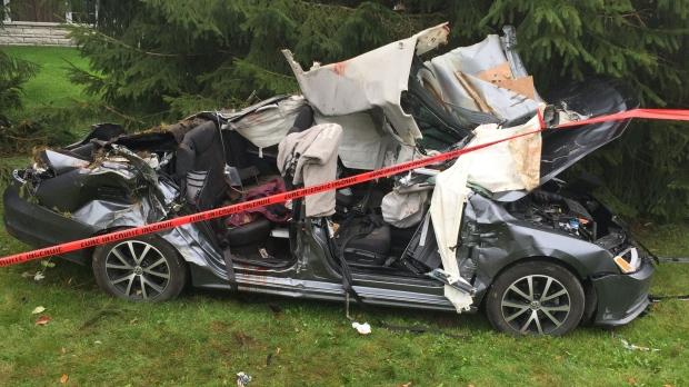 Car Wrecks: 15-year-old Crashes Car In Joliette; 2 Dead