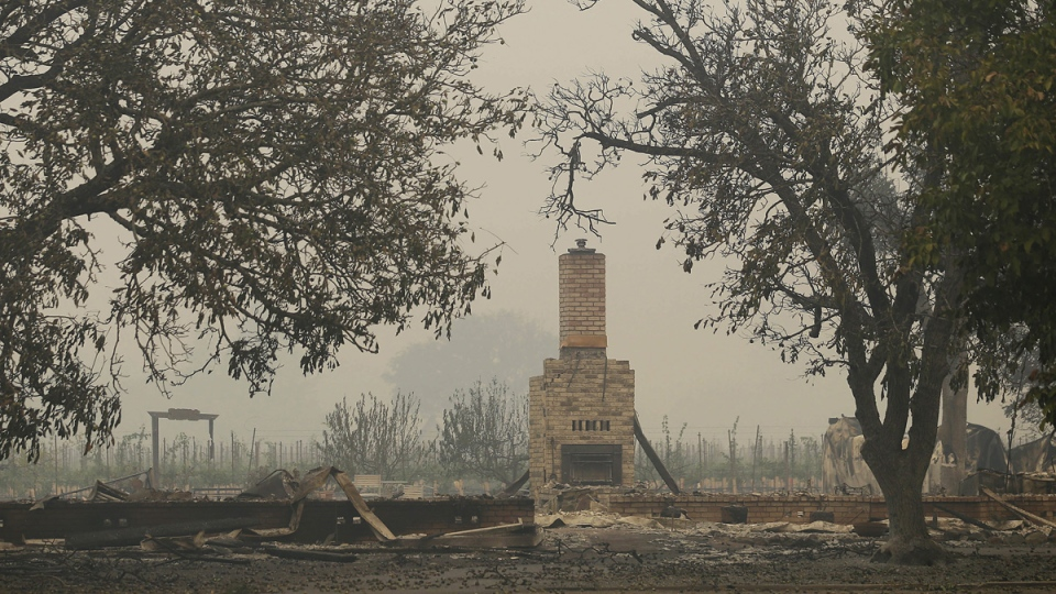 Winds whip new terror into deadly California wildfires