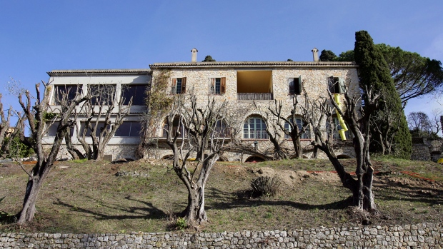 Picassos Mansion Set To Sell For 20 Million Euros
