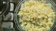 Cauliflower mash with blue cheese
