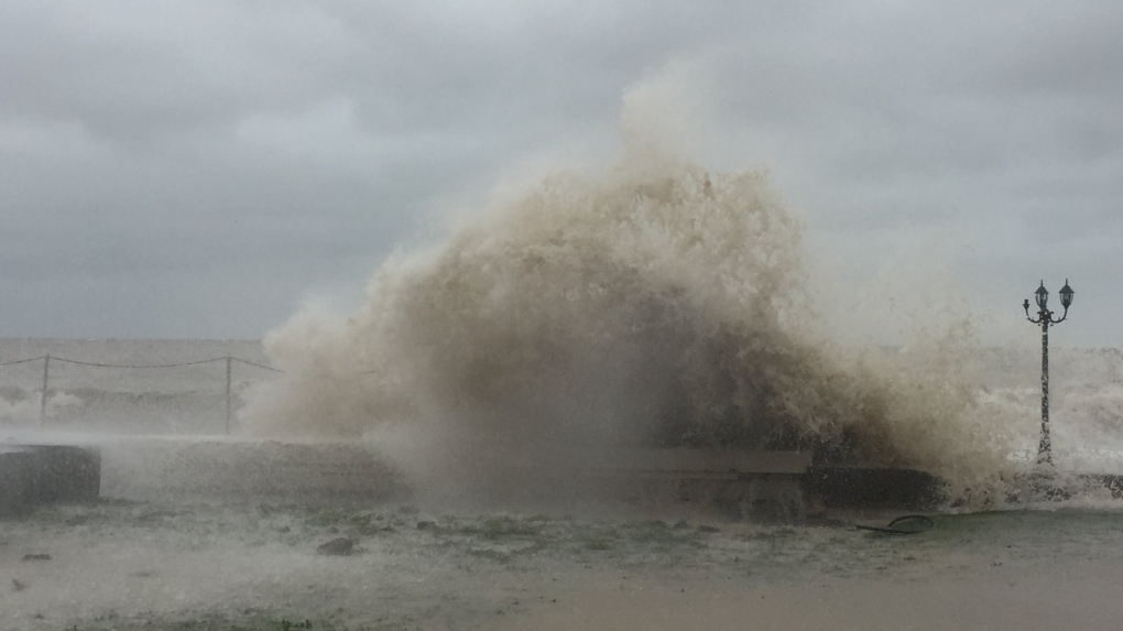 Waves could reach as high as three metres as gale warning issued for Lake Erie