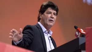 Unifor President Jerry Dias speaks during the Unifor Convention in Ottawa on Aug. 24, 2016. (Justin Tang / THE CANADIAN PRESS)