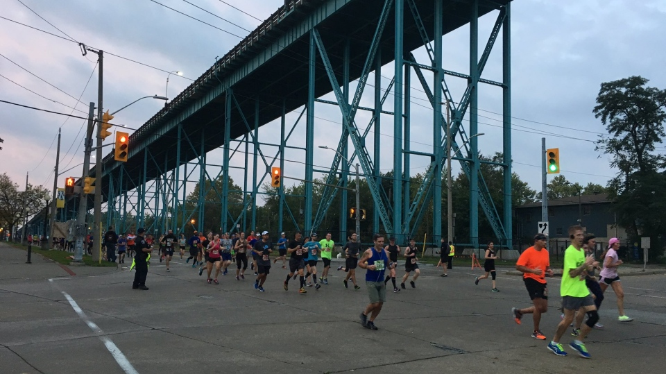 Thousands race across the border in the Detroit Free Press Marathon in Windsor, Ont., on Sunday, Oct.15, 2017. (Melanie Borrelli / CTV Windsor)