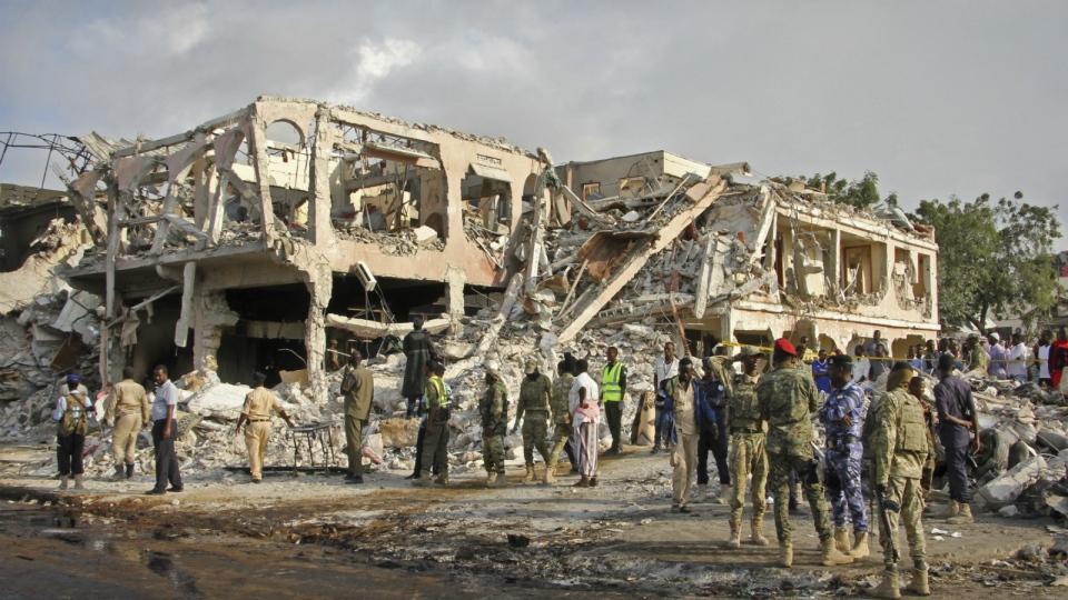 Funerals begin as Somalia bombing death toll rises