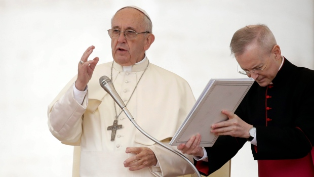 Pope Francis delivers his blessing during his weekly general audience, in St. Peter's Square, at the Vatican, Wednesday, Oct. 18, 2017. (AP Photo/Alessandra Tarantino)
