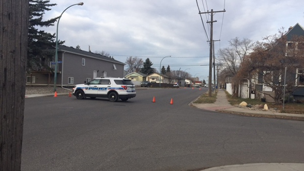 Police on scene at Fourth Avenue and Broder Street in Regina. (BRIT DORT/CTV REGINA)