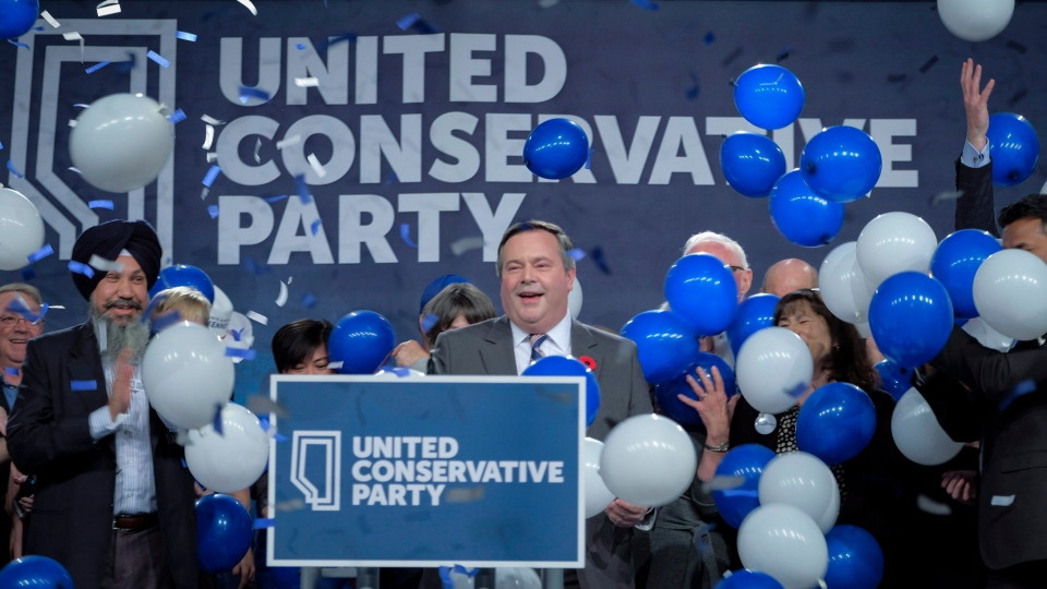 Jason Kenney celebrates his victory as the first official leader of the Alberta United Conservative Party in Calgary, Alta., Saturday, Oct. 28, 2017. (THE CANADIAN PRESS / Jeff McIntosh)