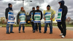Striking workers picket outside Conestoga College on Tuesday, Oct. 24, 2017. (Dan Lauckner / CTV Kitchener)