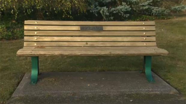Marvelous Police Say Memorial Bench Vandalized At Oak Bay Homeless Evergreenethics Interior Chair Design Evergreenethicsorg