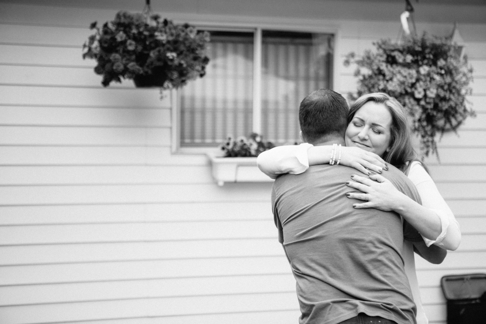 Janet Keall meeting her brother Kevin for the first time (Source: Janet Keall / Facebook / Anita Alberto Photography)