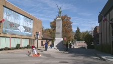 The cenotaph in Chatham, Ont. (Chris Campbell / CTV Windsor)