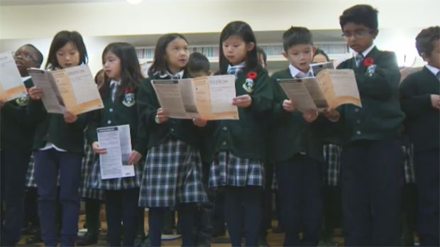 About 100 students from the school's choir performed Second World War era music for the residents.