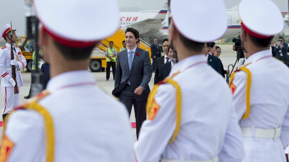 Canadian Prime Minister Justin Trudeau arrives in Da Nang, Vietnam, for the APEC summit on Friday, November 10, 2017. (Adrian Wyld / THE CANADIAN PRESS)