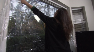 Putting an insulator film on your windows can help save money on your hydro bill. (CTV)
