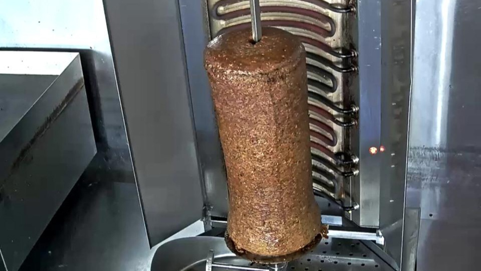 Nova Scotia Webcams has created a Donair Cam, which offers viewers a 24-hour livestream of the spicy meat rotating on a spit at King of Donair on Quinpool Road. (Nova Scotia Webcams)