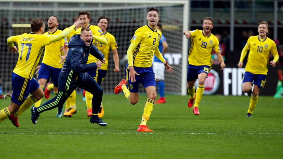 Sweden's players celebrate at the end of the World Cup qualifying play-off second leg soccer match between Italy and Sweden, at the Milan San Siro stadium, Italy, Monday, Nov. 13, 2017. (AP / Antonio Calanni)
