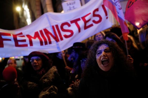 Paris protest over minimum age of consent