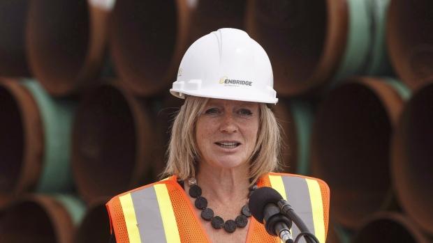 Rachel Notley tours Enbridge's Line 3 pipeline