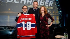 Actor Liev Schreiber, seen here with Combined Jewish Appeal President Jimmy Alexander and CTV Montreal's Tarah Schwartz, spoke about his life and career at the CJA's fundraising gala on Nov. 20, 2017. (Photo: PBL Photography)