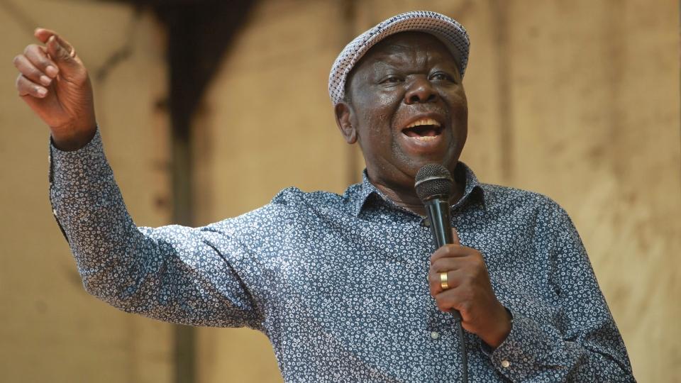 Morgan Tsvangirai, the main opposition leader in Zimbabwe addresses protestors outside parliament building in Harare, Tuesday, Nov, 21, 2017. (AP / Tsvangirayi Mukwazhi)