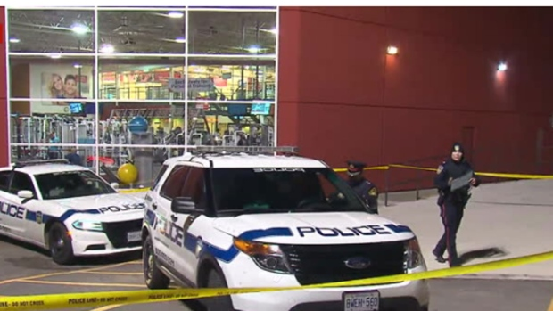 One man dead in triple stabbing at Mississauga shopping centre