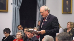 P.E.I. Premier Wade MacLauchlan addresses the assembly following the speech from the throne in Charlottetown, P.E.I., on Tuesday, Nov. 14, 2017. (THE CANADIAN PRESS / Nathan Rochford)