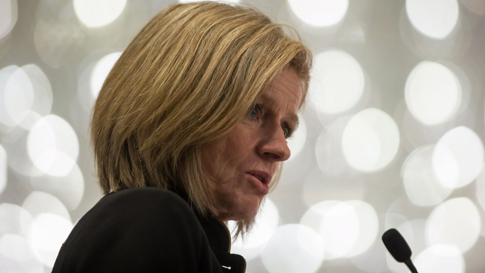 Notley says she met with Prime Minister Justin Trudeau in Edmonton today on the pipeline issue and is calling on the federal government to end the dispute.