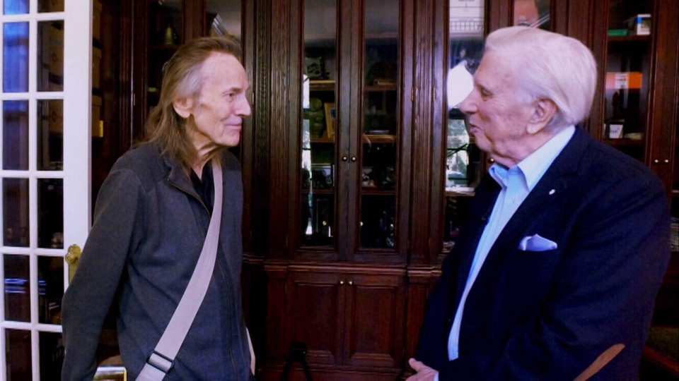 Gordon Lightfoot with W5 special correspondent Lloyd Robertson