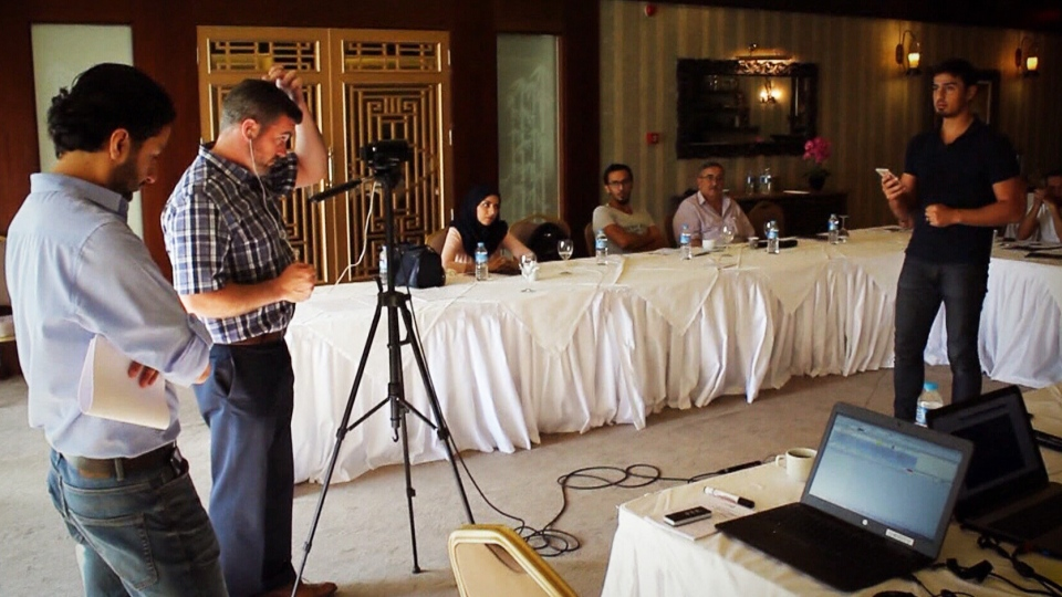 CTV's Bill Fortier speaks to a group of Syrian journalists in Gaziantep, Turkey. (CTV Edmonton)