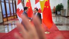 Justin Trudeau and Chinese Premier Li Keqiang