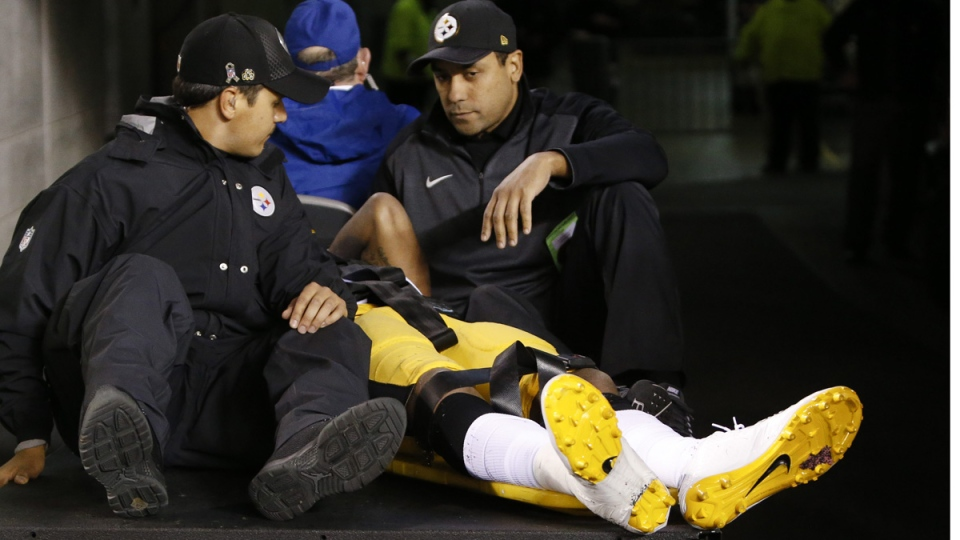 Pittsburgh Steelers inside linebacker Ryan Shazier is carted off the field, on Dec. 4, 2017. (Frank Victores / AP)