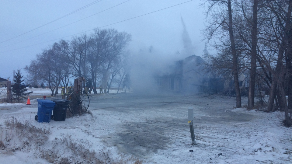 House fire on Mollard Road. (Ryan Harding/CTV Winnipeg)
