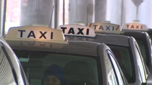 A ban on taxis in diamond lanes will officially be lifted for a one year pilot project, thanks to an amendment to Winnipeg's 2018 budget. (File Image)