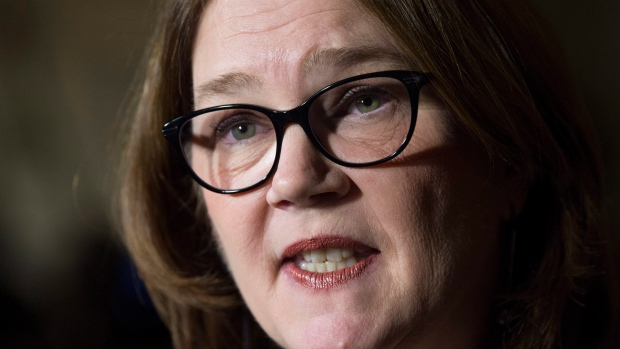 Indigenous Services Minister Jane Philpott speaks with reporters in the Foyer of the House of Commons before Question Period Thursday Nov.30, 2017 in Ottawa. (Adrian Wyld / THE CANADIAN PRESS)