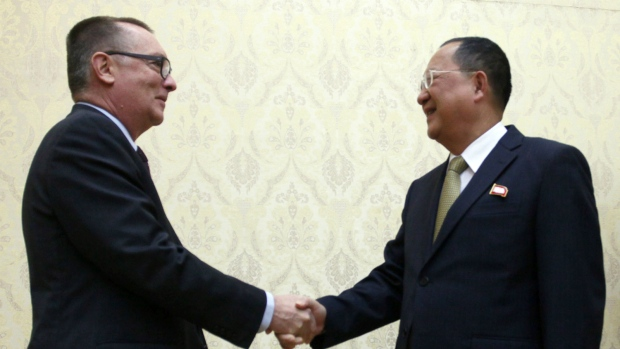 UN diplomat meets with North Korea minister