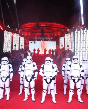 'Star Wars: The Last Jedi' premieres