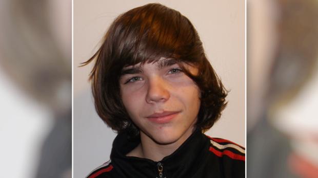 "Missing 15-year-oldTyler Vanderlee is described as white, 5'6"" tall, 140 lbs, with longer brown hair, and brown eyes. He was last seen wearing a bandana, black toque, black Adidas hoodie, and burgundy pants. (Ottawa Police handout)"