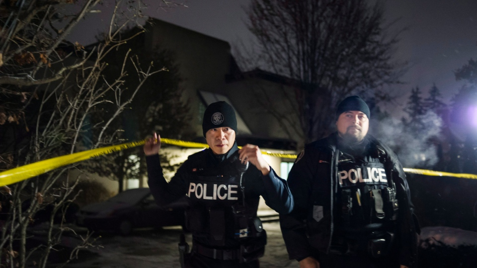Police secured the home of Apotex founder Barry Sherman and wife, Honey Sherman after they were found dead on Friday, December 15, 2017. (Christopher Katsarov/THE CANADIAN PRESS)