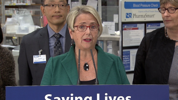 BC pharmacies handing out free naloxone kits to help combat overdose crisis