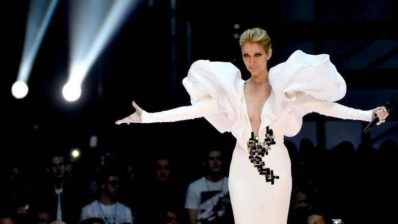 """Celine Dion performs """"My Heart will Go On"""" at the Billboard Music Awards at the T-Mobile Arena on Sunday, May 21, 2017, in Las Vegas. (THE CANADIAN PRESS/AP-Photo by Chris Pizzello/Invision/AP)"""