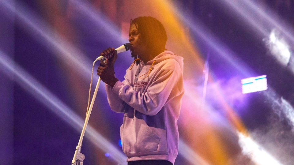Daniel Caesar performs at Toronto's Danforth Music Hall on Sunday, December 17, 2017. (THE CANADIAN PRESS/Chris Young)