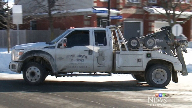 Tow Truck Ottawa >> Weather Stalls Vehicles Creates Dangerous Conditions On The Roads