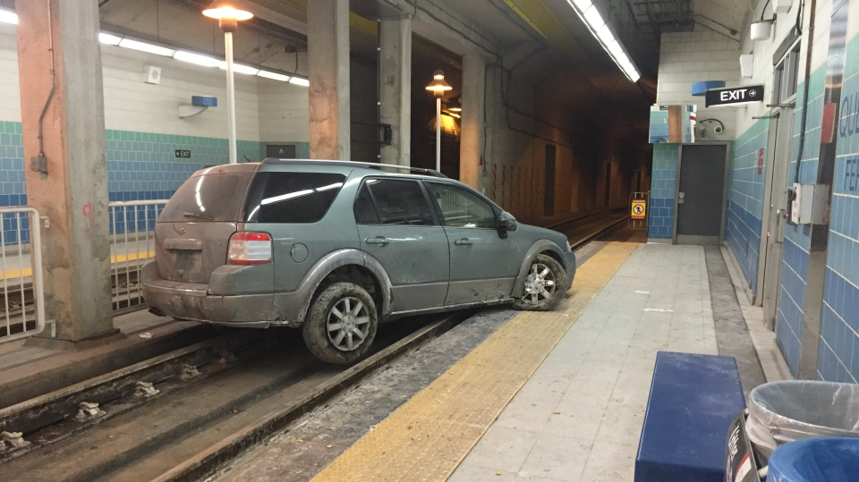 Vehicle drives onto streetcar tracks