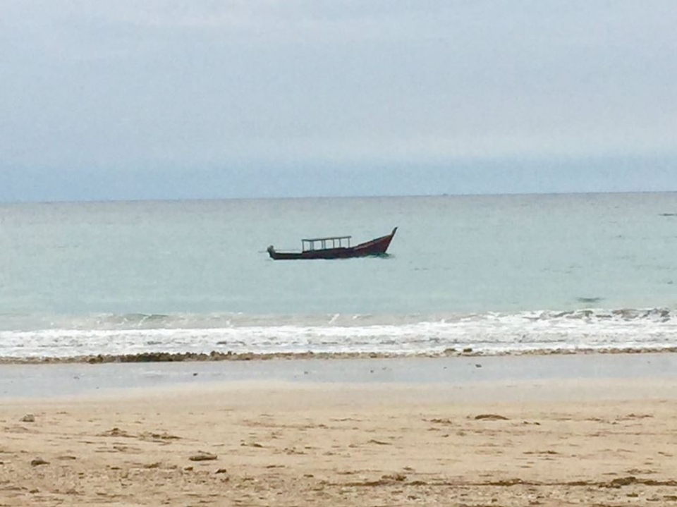 Canada's ambassador to Indonesia, Peter MacArthur, posted this photo of a beach in Myanmar to Twitter on Jan. 1, 2018. It has since been deleted. (AmbMacArthur/Twitter)