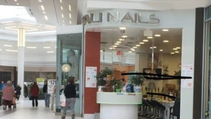 Cali Nails in White Oaks Mall (Marek Sutherland)